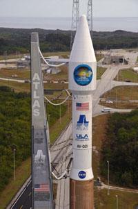 Atlas 5 krátce před startem družice SDO