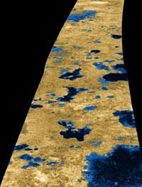 Radarový snímek povrchu Titanu.