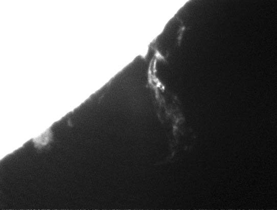 Snímek aktivní protuberance ze dne 19. 05. 2013 (09:58:48 UT), expozice 0,01 s.
