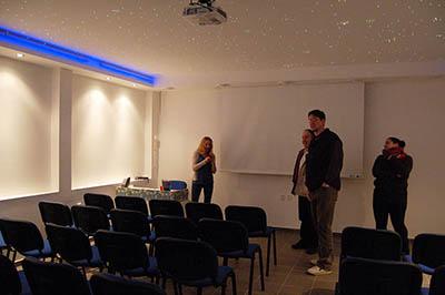 Nově upravený přednáškový sál